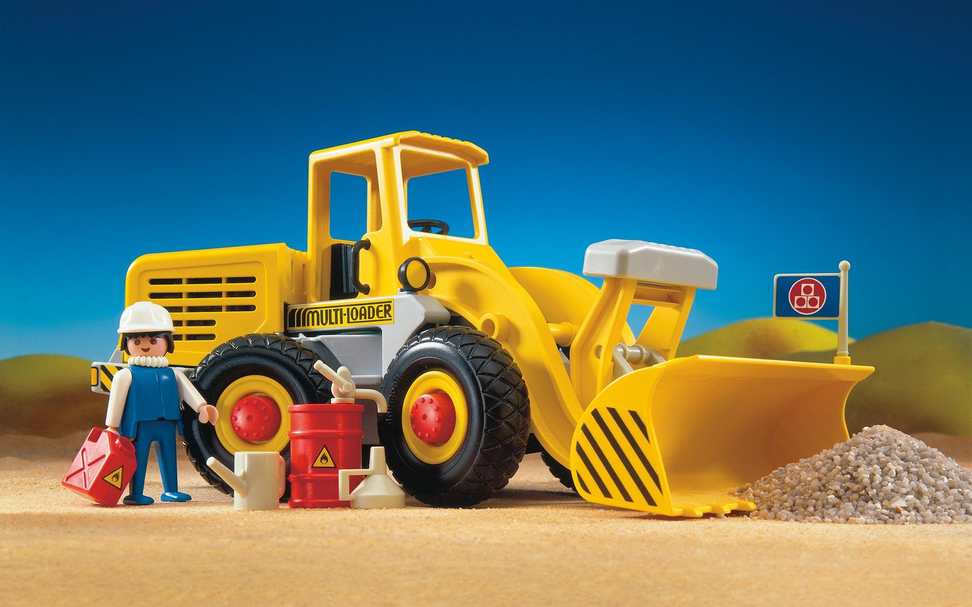 Gelber Spielzeugbagger von ITO Design für Playmobil, 1987 entworfen, mit Spielzeug-Bauarbeiter