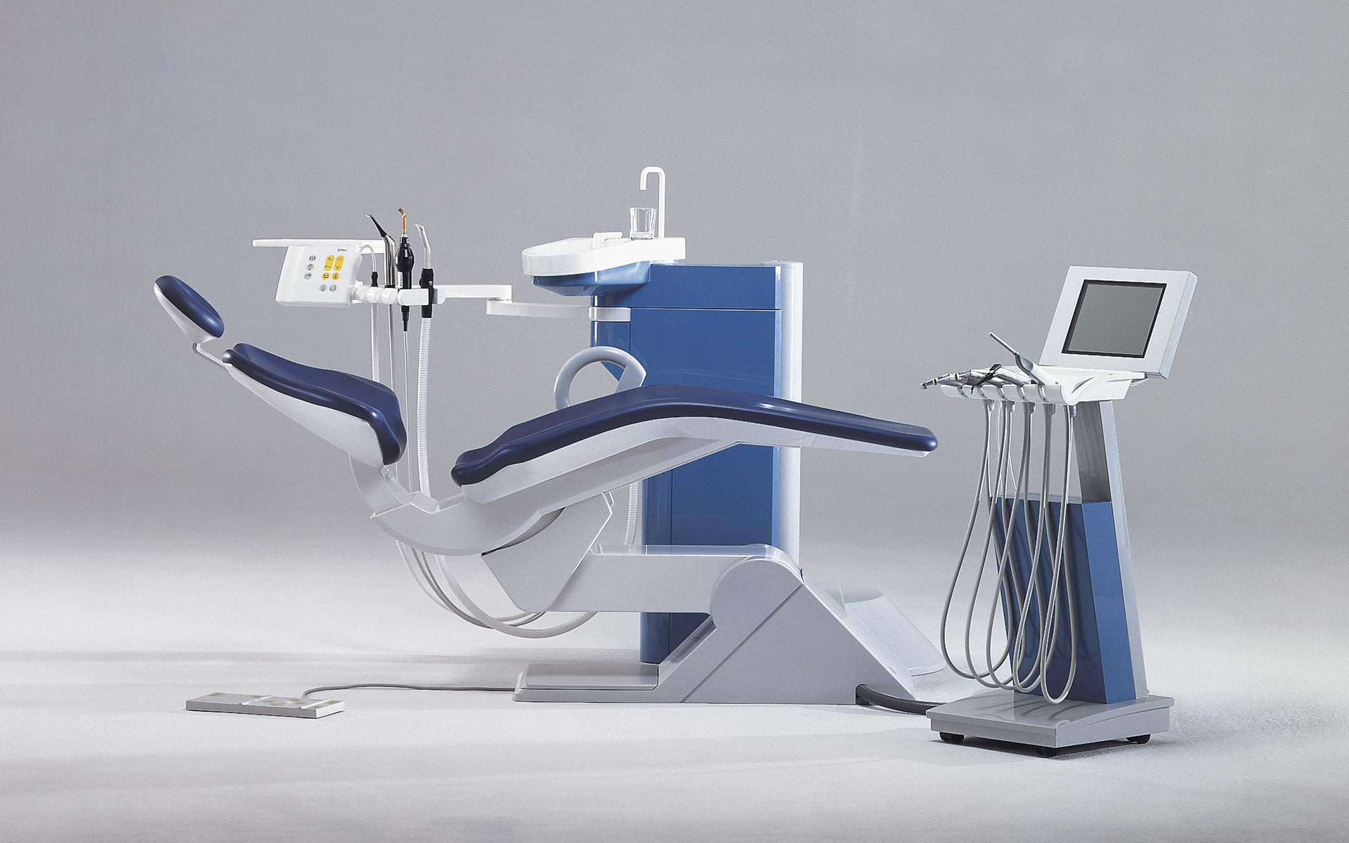 ITO Design dental unit for Ritter in blue and light grey, created in 1992
