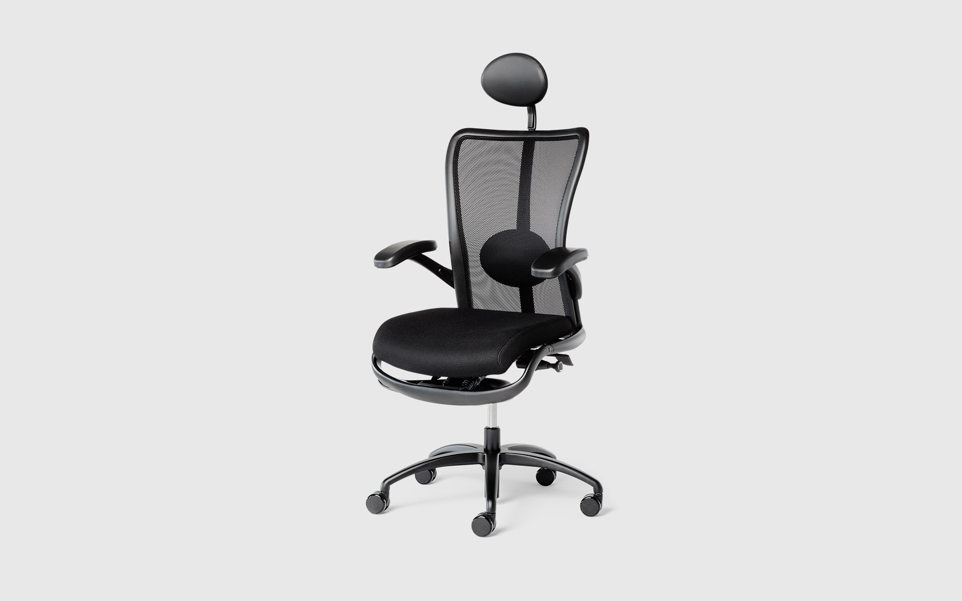 K+N Skye swivel chair by ITO Design in black