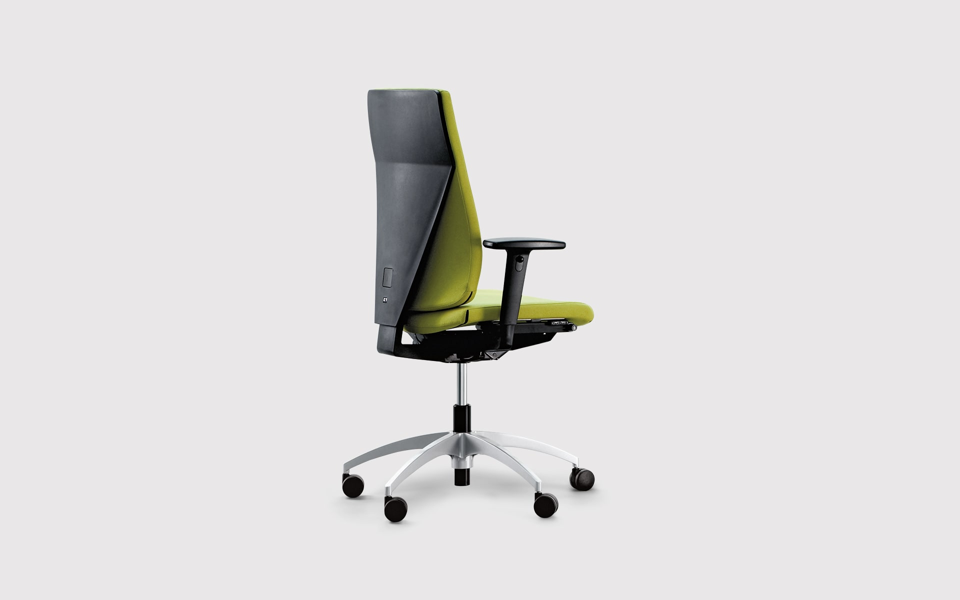 K+N Signeta swivel chair by ITO Design with bright green upholstery