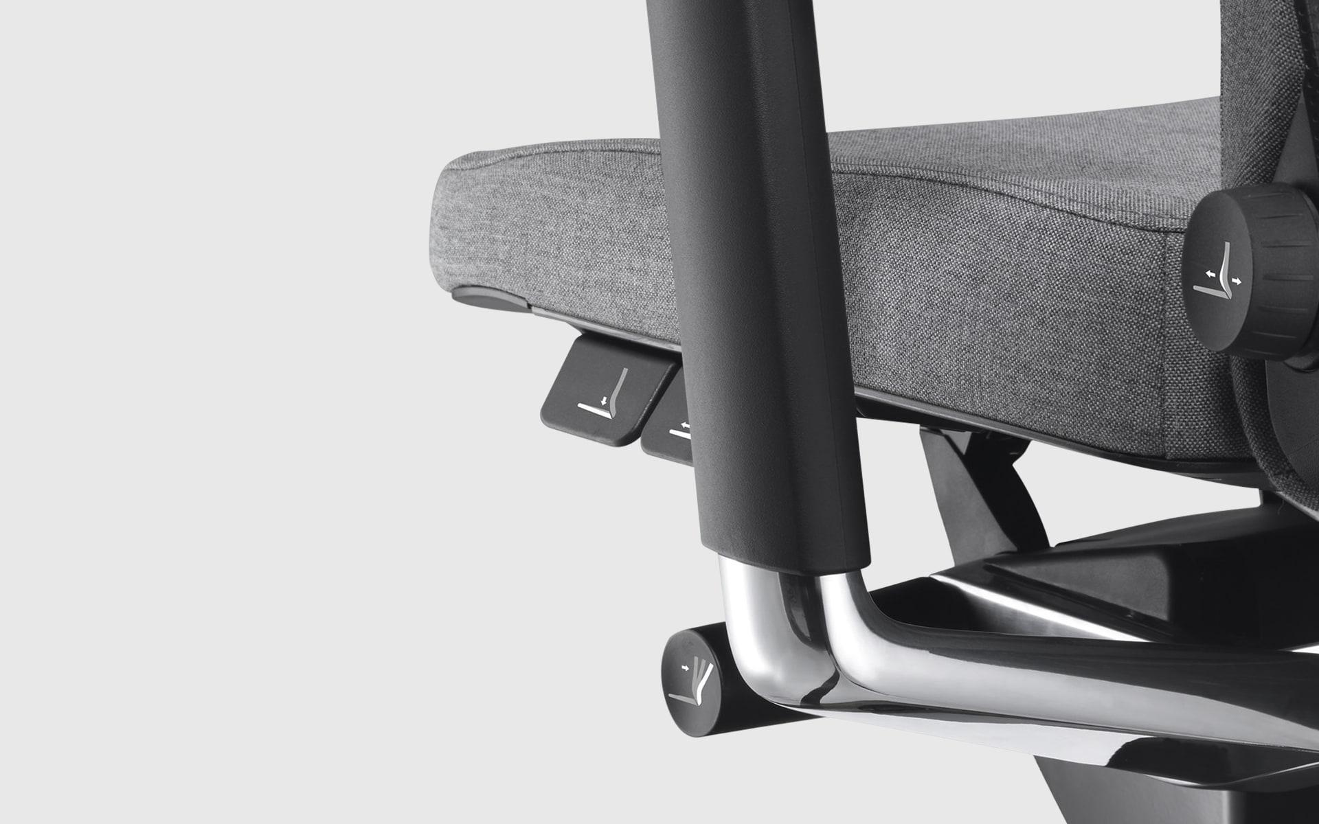 Nahaufnahme der ergonomischen Einstellmöglichkeiten des König + Neurath Lamiga Bürostuhls von ITO Design