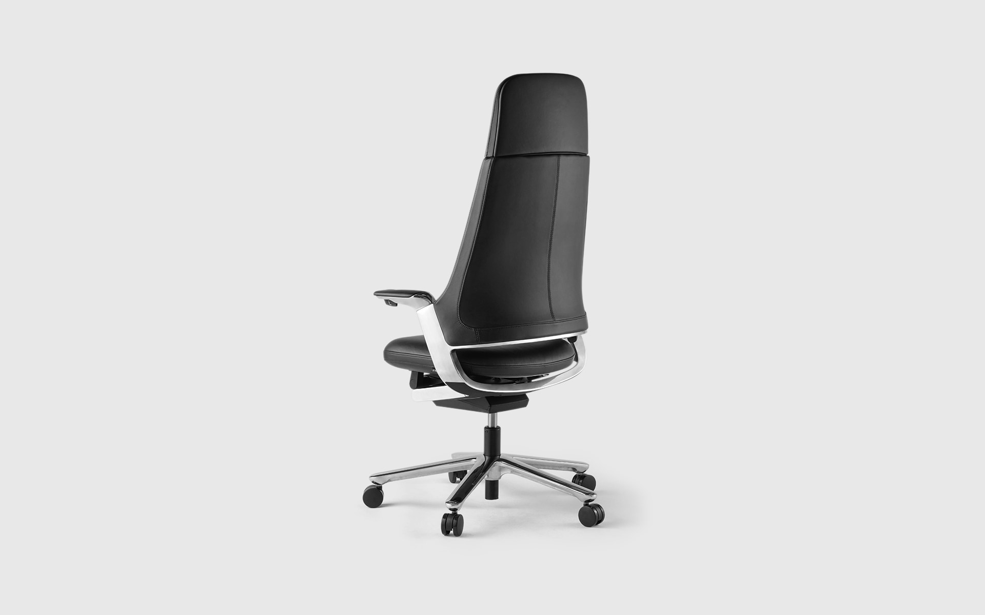 The ITOKI Leonis executive chair by ITO Design in black leather