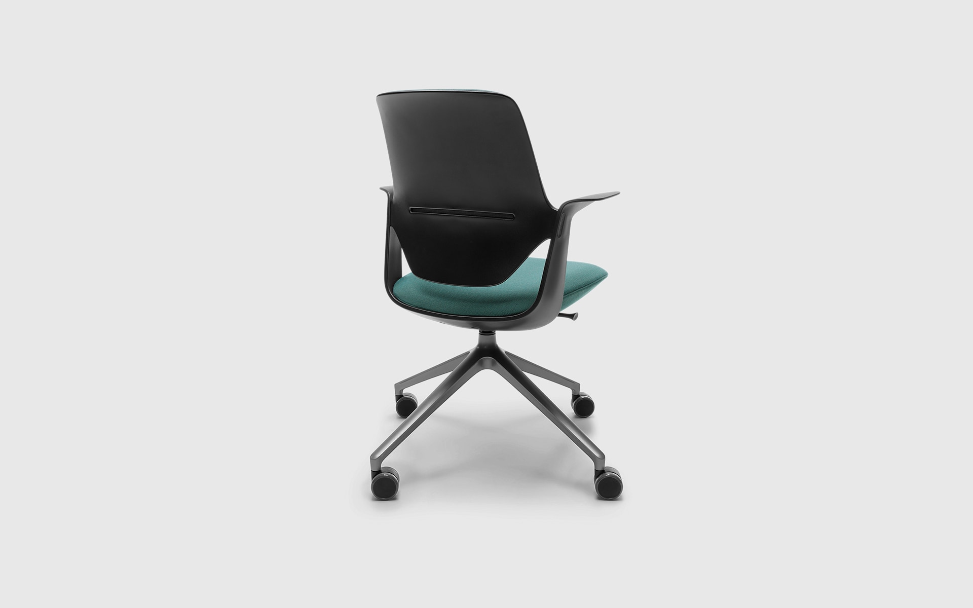 The Profim Trillo Pro office chair by ITO Design in black with green upholstery